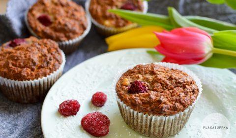 Muffinki marchewkowo-bananowe z jabłkiem i malinami (4)
