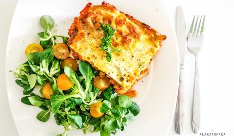 Zapiekanka makaronowa z sosem pomidorowym i mozzarellą